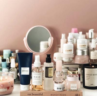 [BEAUTYNESIA CHALLENGE]  Ladies, Tunjukkan Rangkaian Koleksi Produk Skincare yang Setiap Hari Kamu Pakai Yuk!