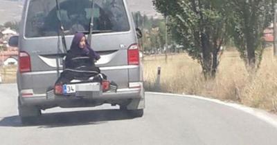 [FORUM] Viral! Aksi Ayah ikat anaknya di belakang mobil tengah jalan, Sedih Banget guyss