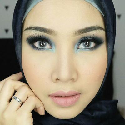 [FORUM] Hijabers cocok ga sih pakai makeup smokey eyes?