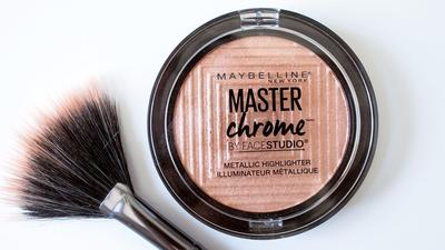 Tampil Menawan dengan Maybelline Master Chrome, Highlighter yang Paling Dicari!