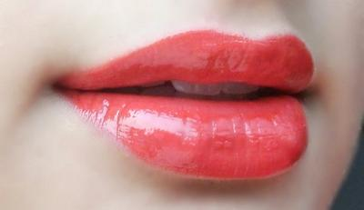 [FORUM] Ada gak dari kamu yang masih suka pakai lipgloss?