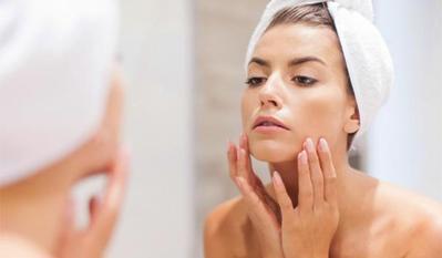 [FORUM] Pakai makeup setiap hari, ada dampak buruknya buat kulit nggak?