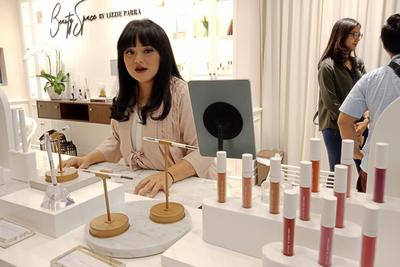 [FORUM] Kosmetik By Lizzie Parra apa yang paling rekomendasi