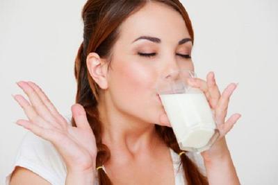 [FORUM] Benarkah minum susu putih full cream 2 kali sehari bisa menaikkan berat badan?