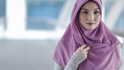 [FORUM] Hijab yang cocok buat wajah kotak gimana ya? Punya ide?