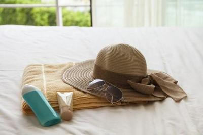 [FORUM] Kalo traveling, biasanya skincare apa saja yang kamu tak lupa bawa?