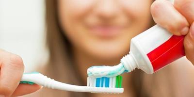 [FORUM] Benarkah pakai pasta gigi bisa membuat bibir merah alami?