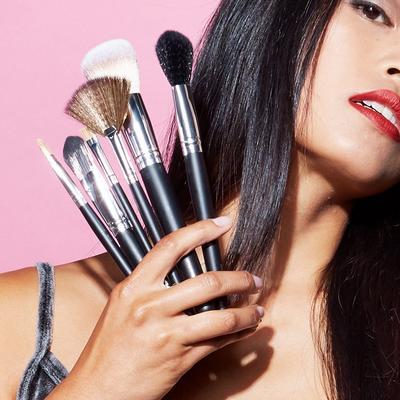 [FORUM] Kalau pemula haruskah punya set kuas makeup?