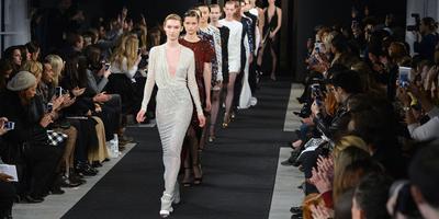 [FORUM] Gimana sih caranya bisa nonton fashion show?