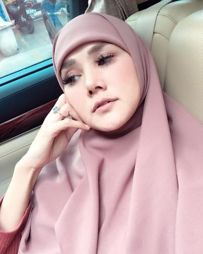 [FORUM] Gaya Hijab Jadul Mulan Jameela Bakal Hits Lagi ya?