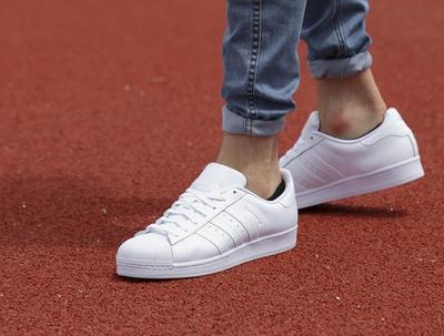 [FORUM] Ngilangin Noda di sneakers putih, ada tips?
