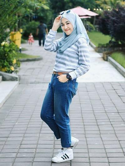 Intip 4 Padu Padan Hijab Menggunakan Denim Yang Tidak Ketinggalan