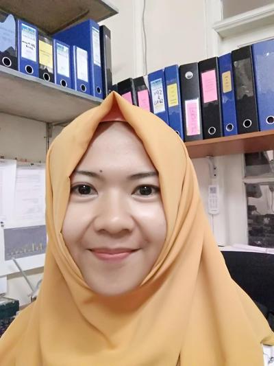 [FORUM] Hijab polos atau motif yang bikin kamu terlihat awet muda?