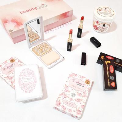 Hadiah Giveaway Mystery Box dari Beautynesia
