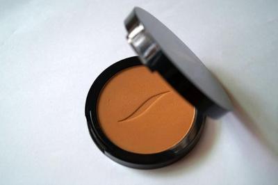 Sephora Sun Disk Bronzer Bisa Menyempurnakan Keseluruhan Makeup Kamu Lho!