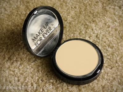 Review Make Up For Ever Duo Mat Powder Foundation: Ringan, Bikin Wajah Flawless!