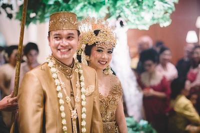 [FORUM] Dalam hukum Islam, apakah wanita perlu membiayai pernikahan?