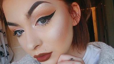 [FORUM] Lupa hapus makeup saat ketiduran, bikin kerutan masa sih?