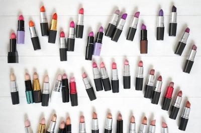 Cari Tahu Kepribadian Seseorang Berdasarkan Warna Lipstik Favoritnya