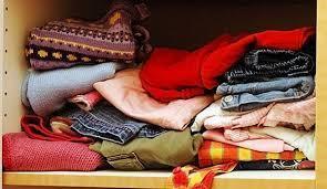 [FORUM] Kenapa baju yang disimpan di dalam lemari menguning dan berbau?
