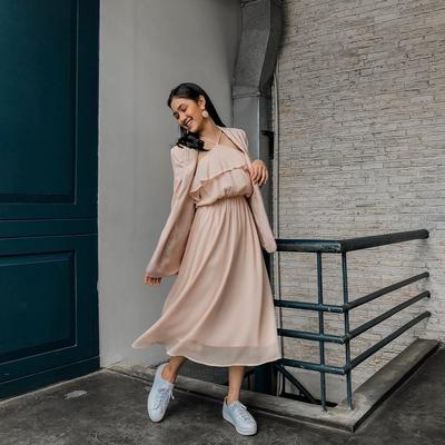 [FORUM] Bagi ide dress kekinian yang cocok untuk dipakai anak SMA buat acara ulang tahun dong