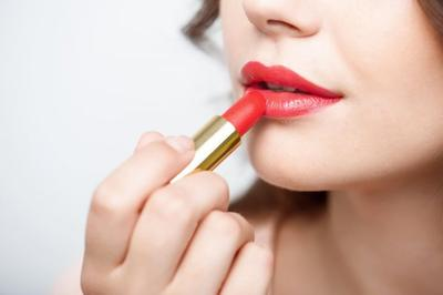 [FORUM] Lipstik yang sudah dibeli dari 3 tahun yang lalu, masih boleh dipakai?