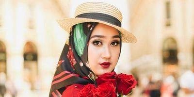 [FORUM] Paduan hijab dan topi, agar jauh dari kesan norak