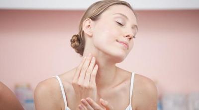 [FORUM] Perawatan bagian leher menggunakan skincare untuk wajah atau tubuh ya?