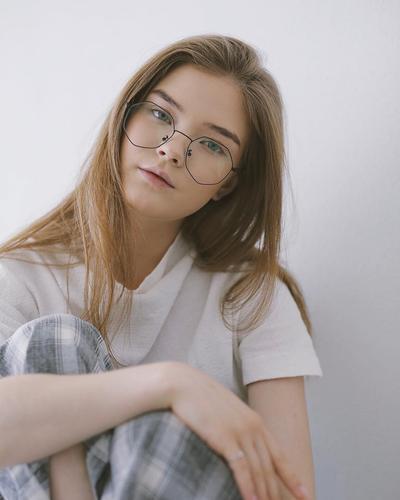 [FORUM] Gimana ya cara tentuin kacamata yang pas ke wajah ketika mau beli online?