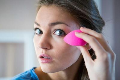 [FORUM] Kamu kalau menggunakan beauty blender, diusapkan atau di tap tap ke wajah?