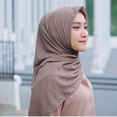 [FORUM] Hijab polos bahan voal harga Rp60 ribu di olshop, kira-kira bagus gak?