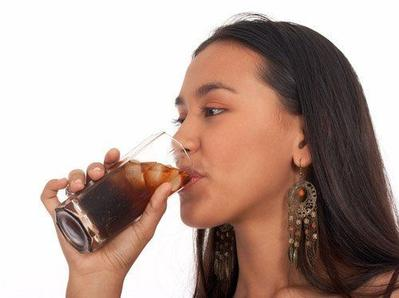 [FORUM] Sedang Menstruasi, Apa Boleh Minum Soda?