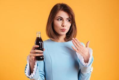 [FORUM] Dear, apa minuman soda bisa bikin menstruasi semakin deras?