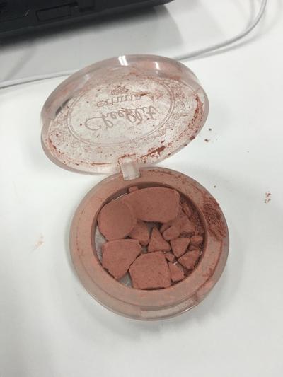 [FORUM] Blush on aku pecah! Gimana caranya nih balikin seperti semula?