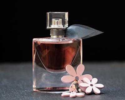 [FORUM] Ada rekomendasi parfum berukuran kecil yang wanginya enak gak?