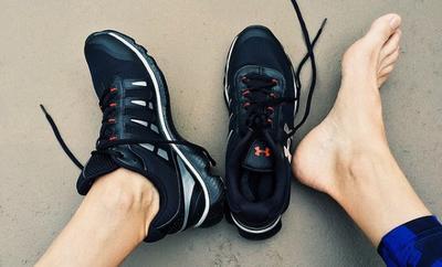 Ladies, Begini Cara Ampuh Mengatasi Sepatu yang Bau