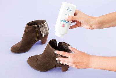 [FORUM] Tips hilangkan bau di sepatu, cuma pakai bedak bayi loh