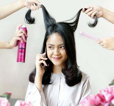 Tak Perlu Bingung, Ini Cara Atasi Bad Hair Day Tanpa Keramas!