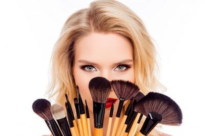 Ladies, Ini Dia 5 hal yang Perlu Diperhatikan Ketika Mencuci Makeup Brush