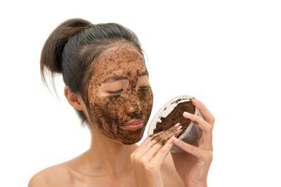 [FORUM] Ada yang udah pernah coba scrub muka pake kopi?
