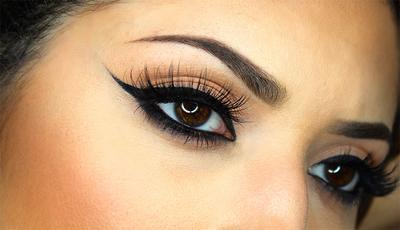[FORUM] Buat wing eyeliner lebih mudah pakai yang gel, pensil, atau liquid?