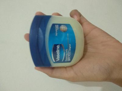 [FORUM] Apakah Vaseline Petroleum Jelly bisa memperkuat bulu mata?