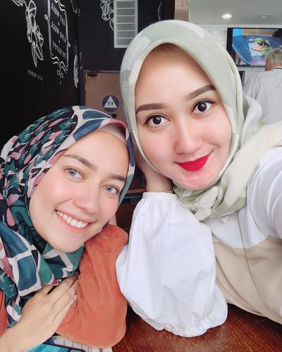 [FORUM] Bikin hijab jadi bagus, pakai apa ya untuk kuncir rambut?