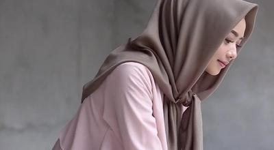 [FORUM] Waw! Restu Anggraini Rilis Hijab Anti Air