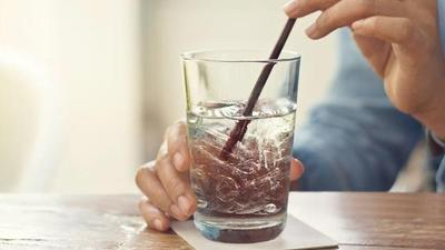 [FORUM] Setujukah kalau minum air es buru-buru, kepala jadi pusing?