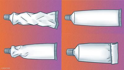 [FORUM] Kalau keluarin pasta gigi, kamu tim dorong dari bawah atau dari tengah?