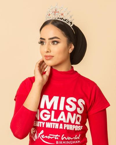 [FORUM] Pertama kali dalam sejarah, wanita berhijab menang kontes kecantikan Inggris
