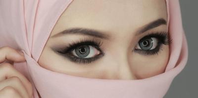 [FORUM] Apa ada hukumnya memakai eyeliner dalam Islam?