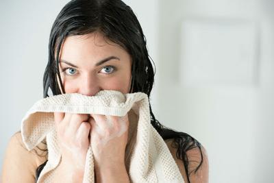 [FORUM] Pakai handuk yang sama untuk tubuh dan wajah, ternyata bahaya girls!
