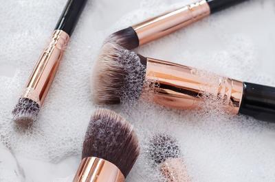 [FORUM] Membersihkan brush makeup pakai shampo boleh nggak ya?